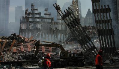 Ruiny zawalonych wież World Trade Center