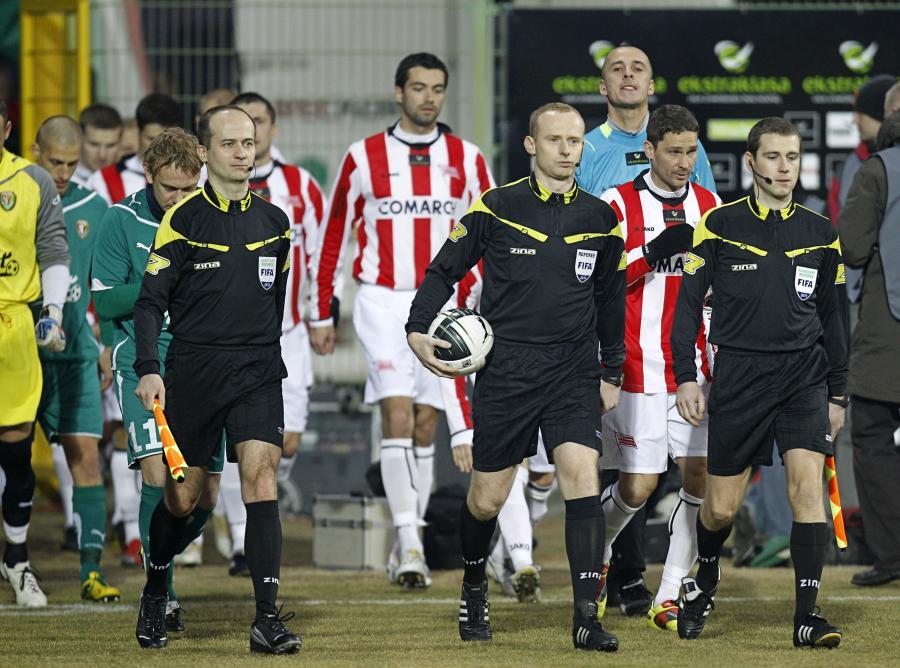 Rafał Rostkowski z lewej)