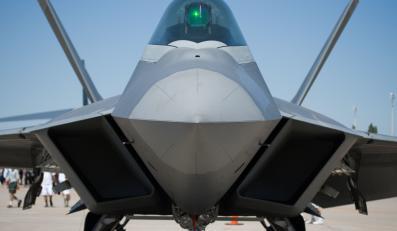 F-22 Raptor: 350 mln dolarów