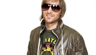 """David Guetta przedstawia """"She Wolf (Falling To Pieces)"""""""