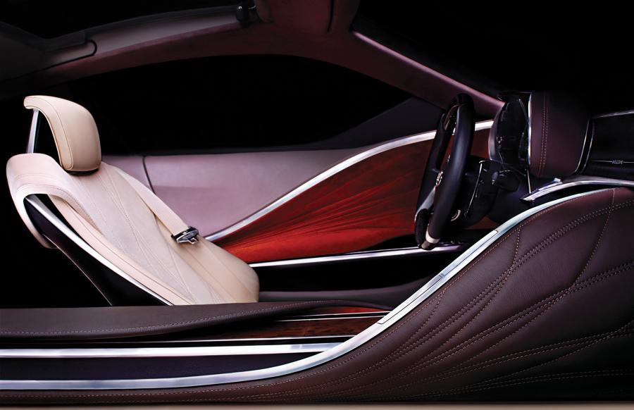 W Detroit japoński producent samochodów luksusowych i hybrydowych pochwali się nowym prototypem