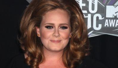 Adele znów jest na szczycie UK Charts