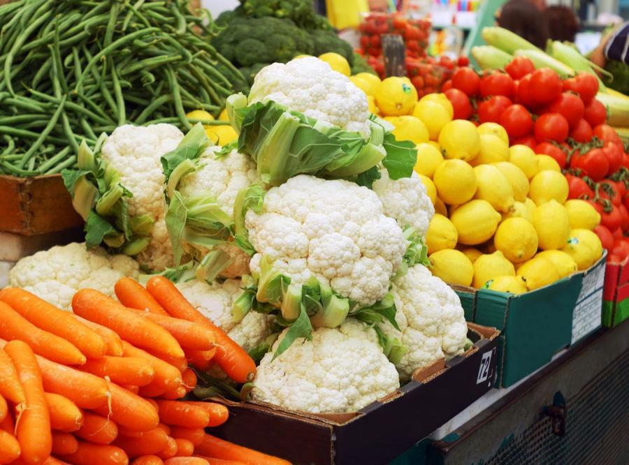 Warzywa na stragani e - zdjęcie ilustracyjne