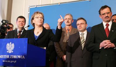 Minister zdrowia Ewa Kopacz walczy o wiarygodność całego gabinetu