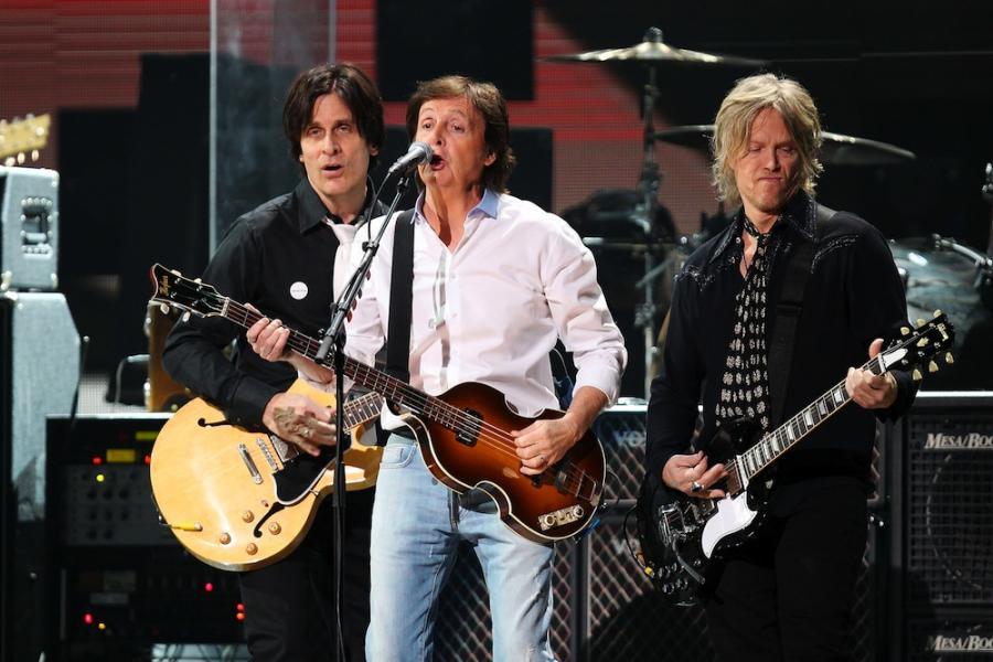 Paul McCartney podczas koncertu na rzecz ofiar huraganu Sandy