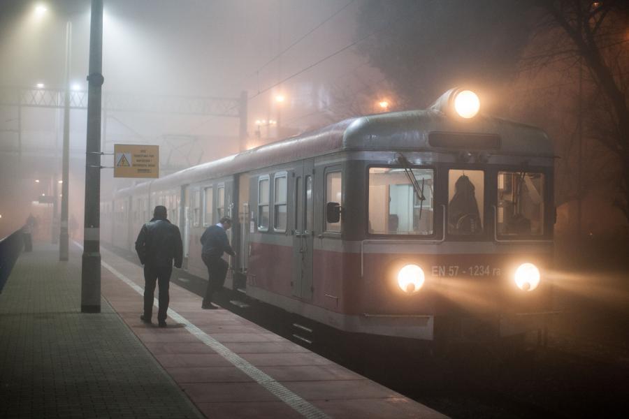 Pociąg na dworcu w Poznaniu - zdjęcie iustracyjne