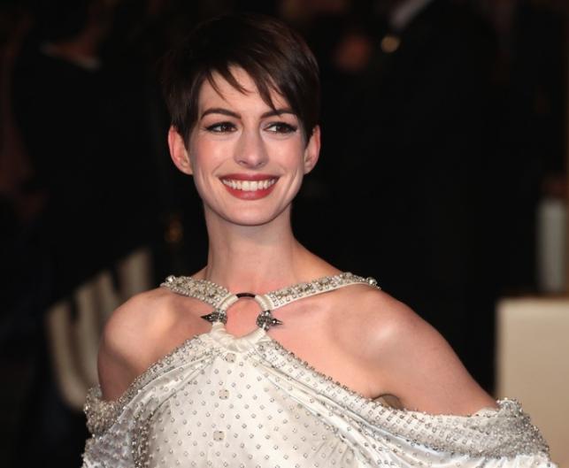 """Anne Hathaway na premierze """"Les Misérables. Nędznicy"""""""