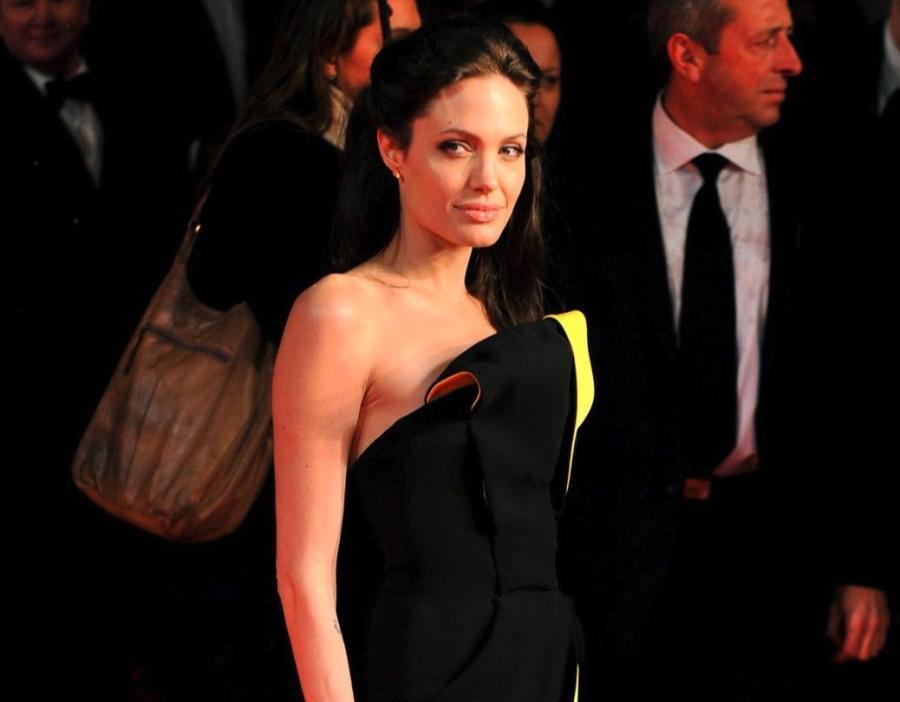 Angelina Jolie korzystała z usług \