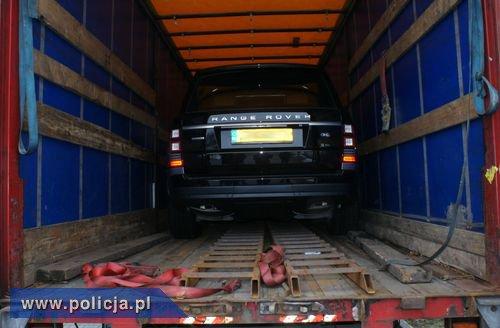Range Rover ukryty w naczepie
