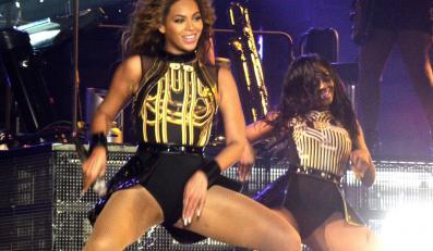 Beyoncé podczas koncetu w Birmingham –26.04.2013
