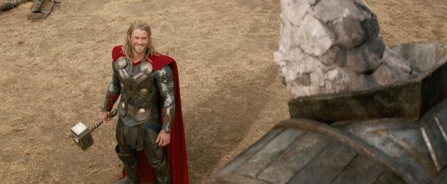 """Chris Hemsworth w filmie """"Thor: Mroczny świat"""""""