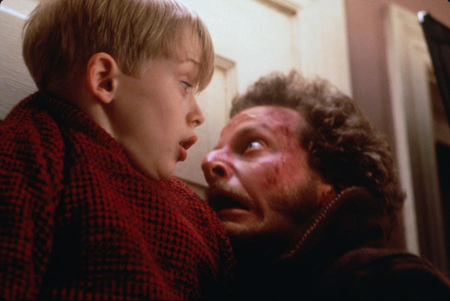 "Macaulay Culkin i Joe Pesci w filmie ""Kevin sam w domu"""