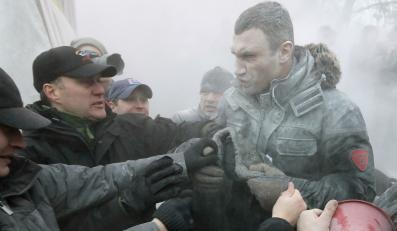 Starcia na Ukrainie. Witalij Kliczko został zaatakowany gaśnicą