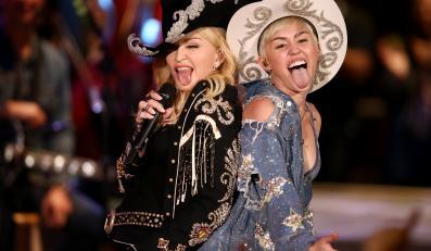 "Miley Cyrus z Madonną podczas występu na ""MTV Unplugged"""