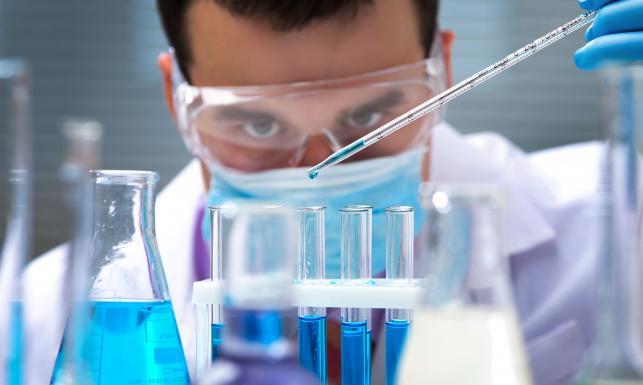 Zagrażają ludzkości? Niebezpieczne wirusy i bakterie