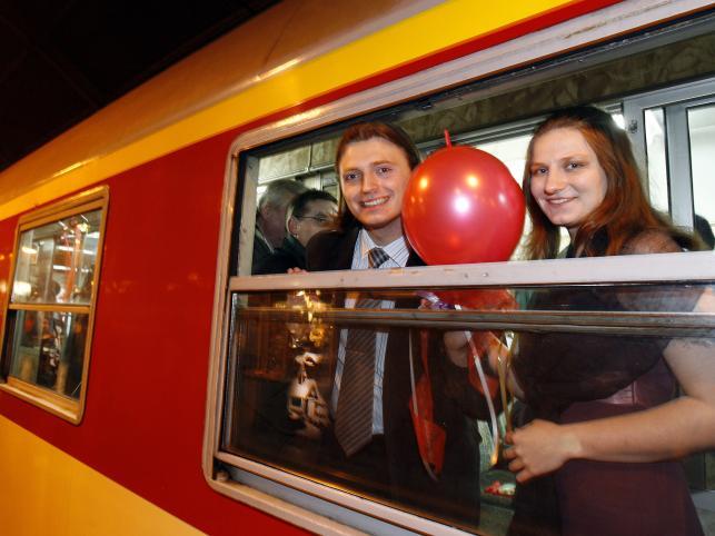 Niektórzy spędzili Sylwestra w specjalnym pociągu