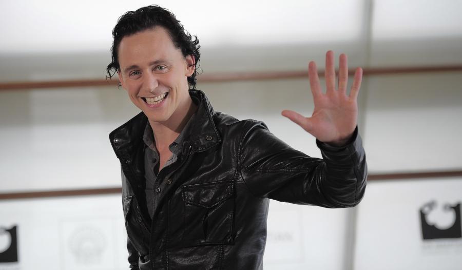 Tom Hiddleston godnym następcąCharltona Hestona?