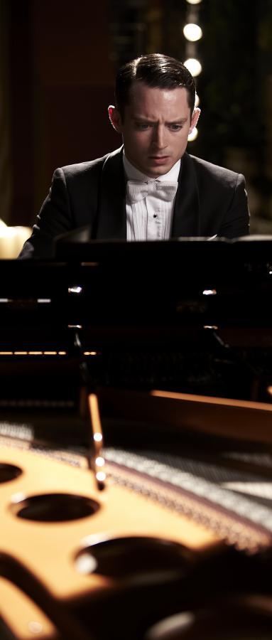 Elijah Wood musi pięknie grać, inaczej zginie