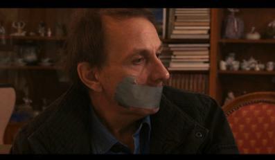 """""""Porwanie Michela Houellebecqa"""" jest dokumentalnym żartem, który zapewne rozweseli nawet największego mruka"""