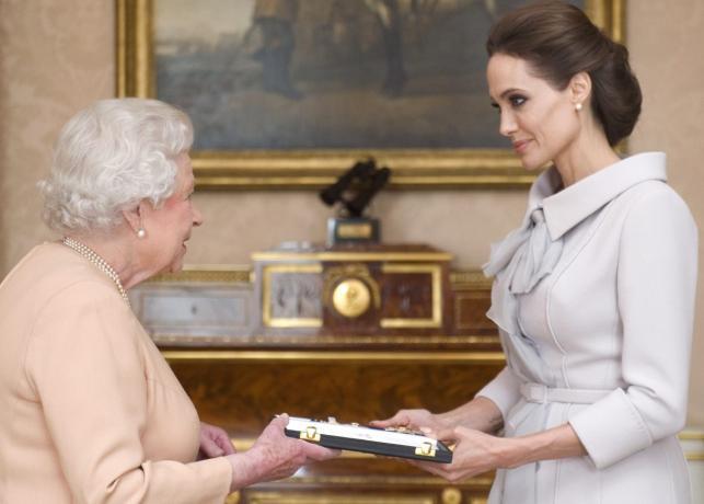 Angelina Jolie została Damą Wielkiego Krzyża Orderu św. Michała i św. Jerzego