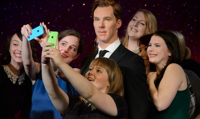 Benedict Cumberbatch przystojny, choć trochę drętwy. Ale można się przytulić! [ZDJĘCIA]