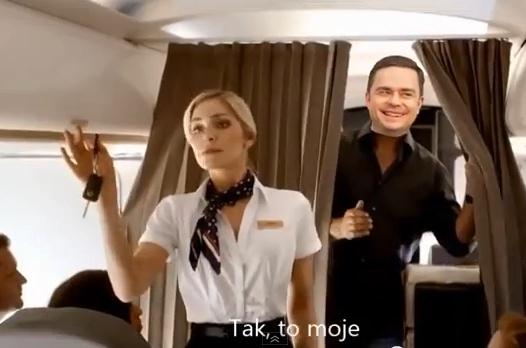 Adam Hofman w samolocie