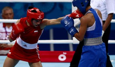 Sandra Drabik (w czerwonym stroju)