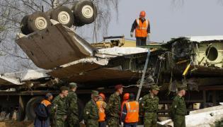 Kontrolerzy nie mieli ochoty sprowadzać Tu-154 na ziemię