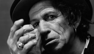 """Keith Richards prezentuje """"Trouble"""""""
