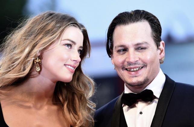 """Johnny Depp i Amber Heard na premierze filmu """"Pakt z diabłem"""" w Wenecji"""