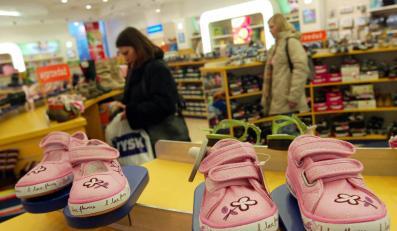 Ubranka i buciki dla dzieci będą droższe