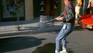 Marty McFly ma w końcu samozawiązujące się buty
