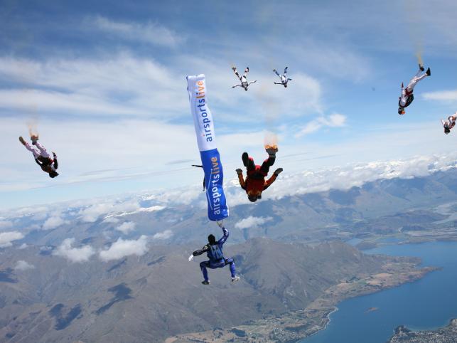 Wielkie zawody lotnicze odbyły się w Nowej Zelandii, nad jeziorem Wanaka