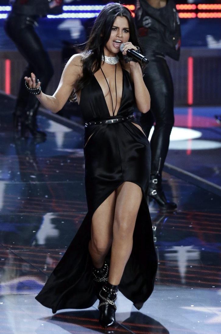 Selena Gomez na pokazie bielizny Victoria's Secret