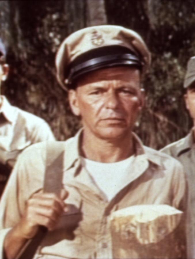 """Frank Sinatra w filmie """"Najodważniejsi z wrogów"""""""