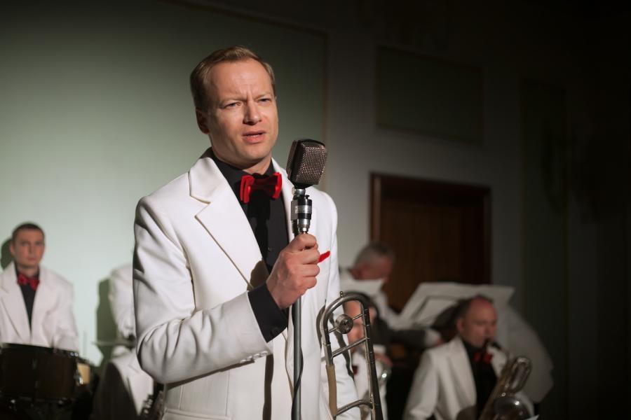 Maciej Stuhr jako król swingu