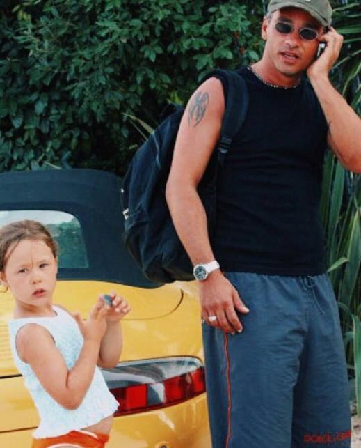 Mała Aurora Ramazzotti z ojcem