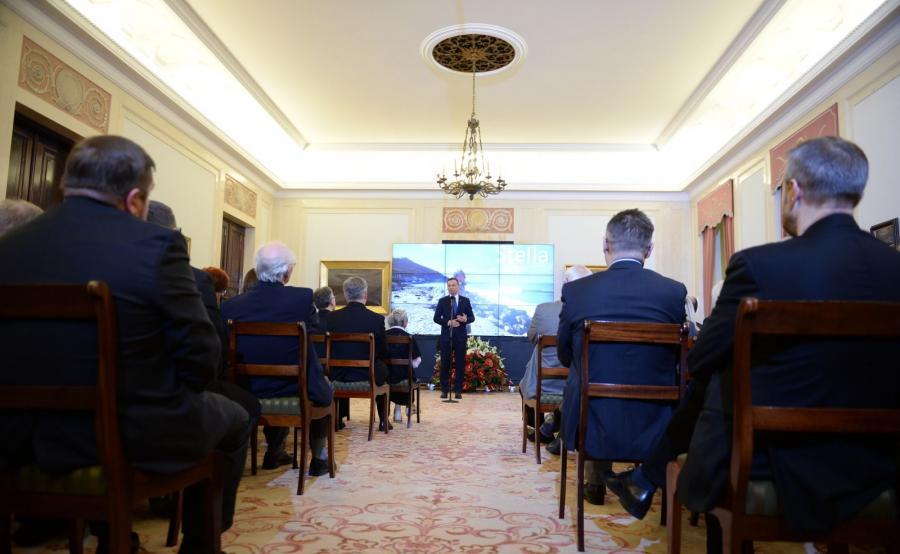 Prezydent Andrzej Duda przed specjalnym pokazem filmu dokumentalnego \