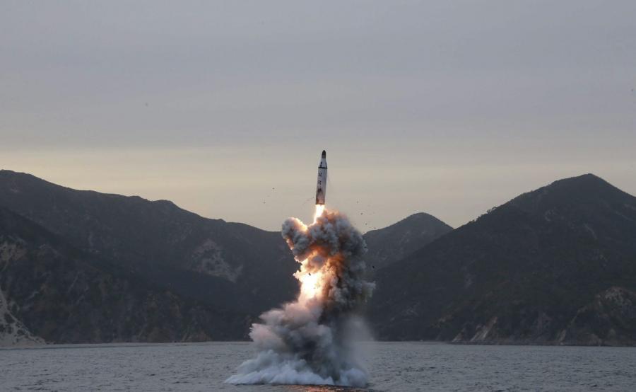 Północnokoreańska rakieta balistyczna wystrzelona z łodzi podwodnej