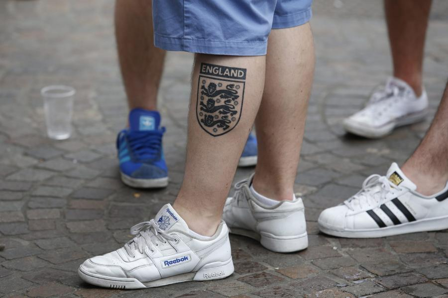 Anglicy mają gdzieś ostrzeżenia UEFA i francuskich władz. Tym razem wywołali zamieszki w Lille