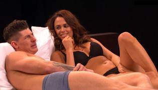 Undressed: randka w łóżku