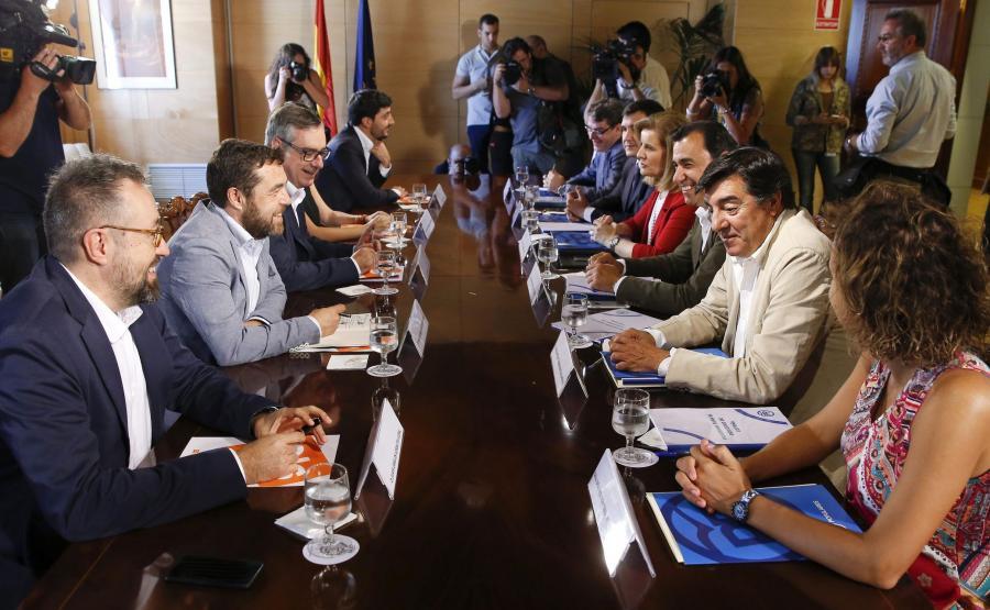 Polityczne negocjacje w Hiszpanii