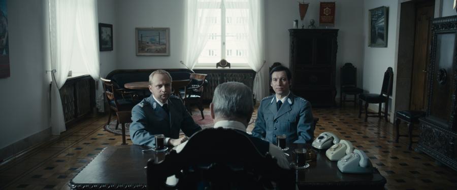 """Mirosław Haniszewski i Piotr Adamczyk w filmie """"Jestem mordercą"""""""