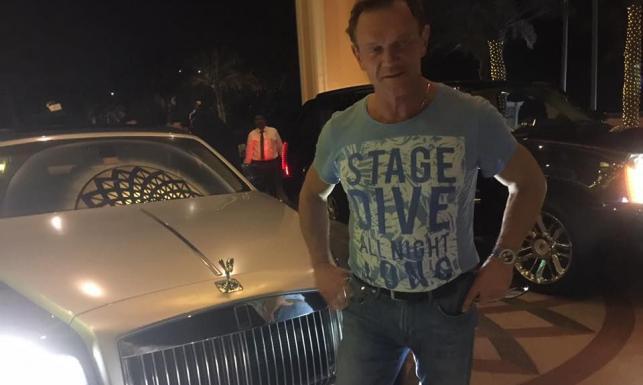 Ekskluzywny wyjazd Cezarego Pazury do Dubaju: Na lotnisku Rolls Royce na mnie czekał
