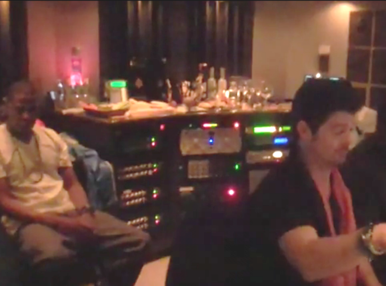 Jay-Z śpiewa u Robina Thicke, że Beyoncé to czarna Brigitte Bardot
