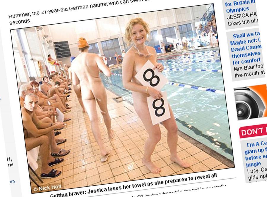 Zobacz zawody pływackie tylko dla golasów!