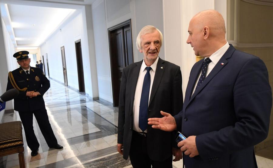 Szef klubu PiS Ryszard Terlecki i wicemarszałek Sejmu Joachim Brudziński
