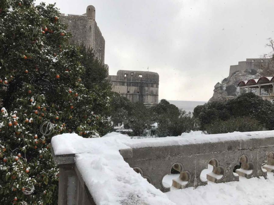 Dubrownik zaspany śniegiem. fot. Marijana Puhjera