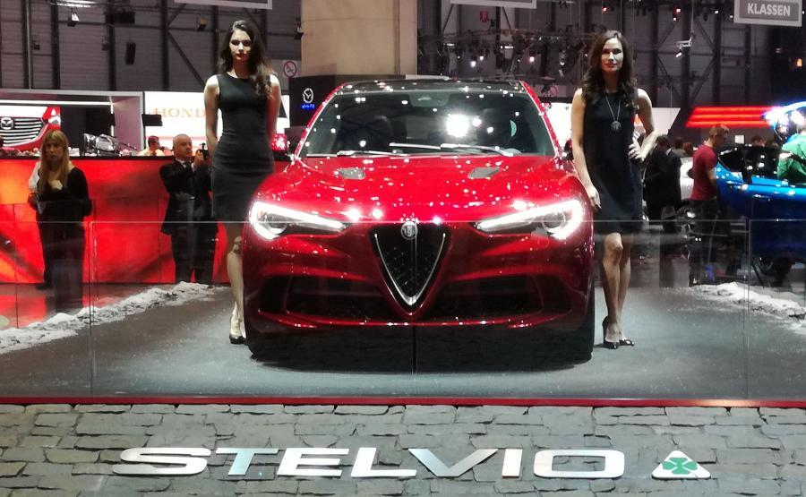 Zamontowany w Alfie Stelvio Quadrifoglio silnik V6 osiąga najlepszy w kategorii stosunek KM na litr