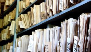 Teczki w archiwum